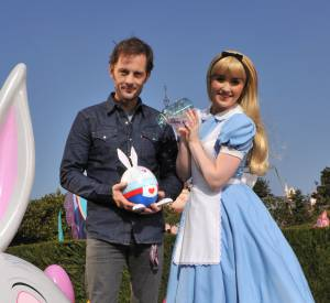 Nicolas Duvauchelle a découvert le Pays des Merveilles avec Alice.