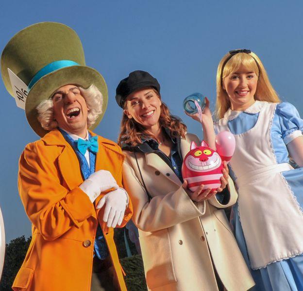 Mélissa Theuriau est retombée en enfance dimanche à Disneyland Paris.