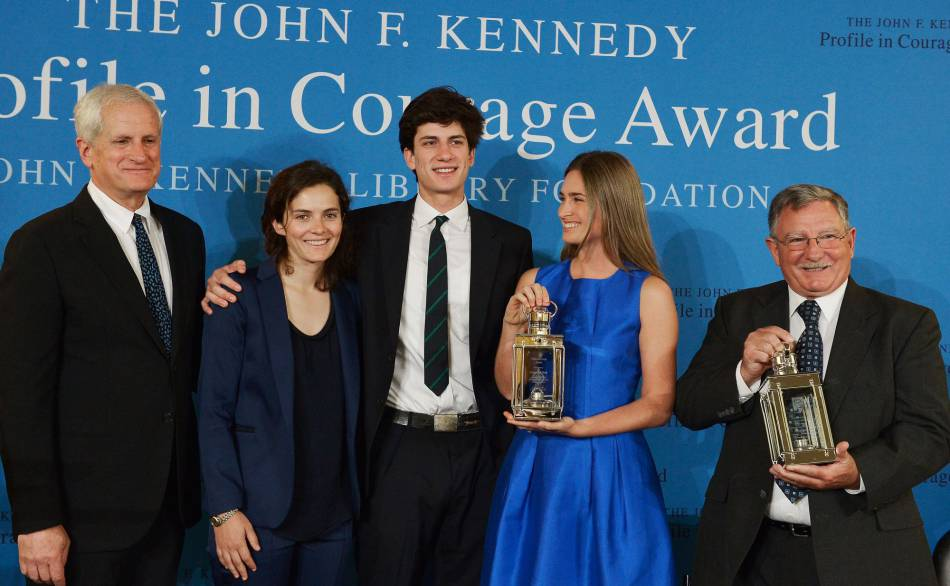 Edwin Schlossberg, Rose Schlossberg, Jack Schlossberg, Lauren Bush Lauren et Paul Bridges lors de la cérémonie des John F. Kennedy Profile In Courage Awards en 2014.
