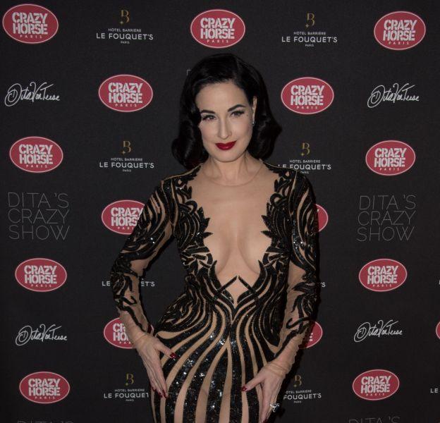 Dita Von Teese à la première de son show au Crazy Horse à Paris, ce mardi 15 mars 2016.