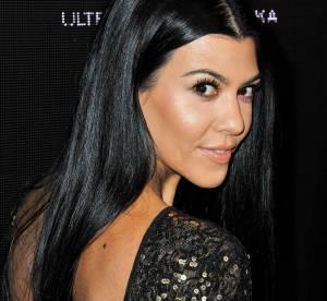 Kourtney Kardashian se transforme en gothique sexy et oublie le bas !