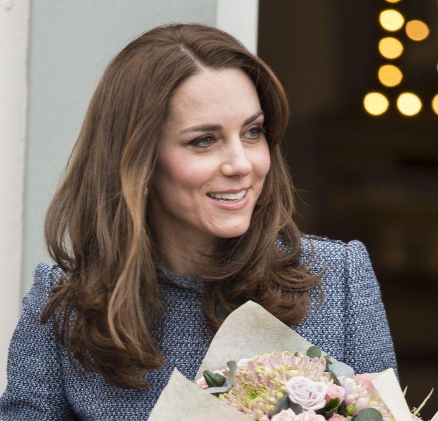 Kate Middleton lors de l'inauguration de la boutique de l'hôpital pour enfants de Holt, le 18 mars 2016.