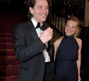 Elle est en couple avec le chanteur Raphaël depuis 2002.
