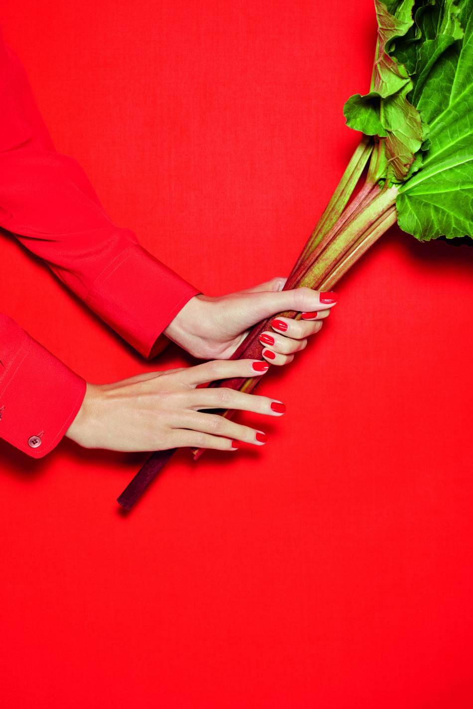Le défi d'Hermès : capturer l'éclat de la rhubarbe dans une cologne. Pari réussi !
