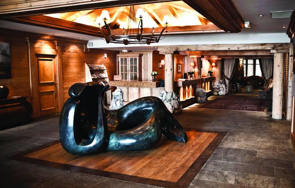 L'hôtel les Barmes de l'Ours à Val d'Isère : le repère des skieurs esthètes au coeur de la Savoie.
