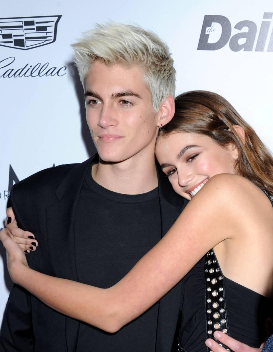 Kaia Gerber et son frère Presley lors des Daily Front Row Fashion Awards 2016 à Los Angeles, le 19 mars dernier.