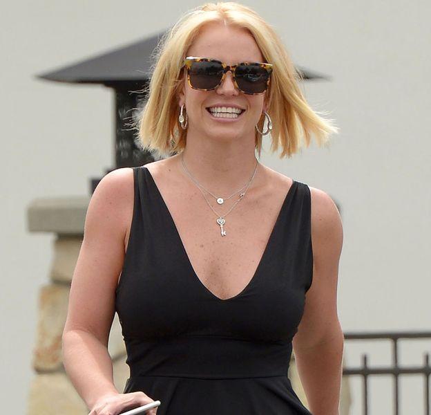 Britney Spears a beau avoir minci pour de vrai, elle reste tentée de photoshopper ses photos.