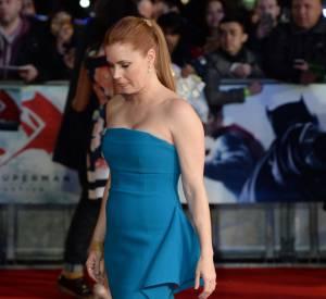 """Amy Adams nous en a mis plein la vue lors de l'avant-première londonienne de """"Batman v Superman""""."""