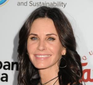 Courteney Cox, plus botoxée que jamais pour un gala à Beverly Hills.