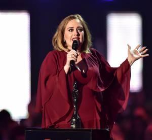 """Adele contre la pression à allaiter : """"Tout le monde ne peut pas le faire"""""""