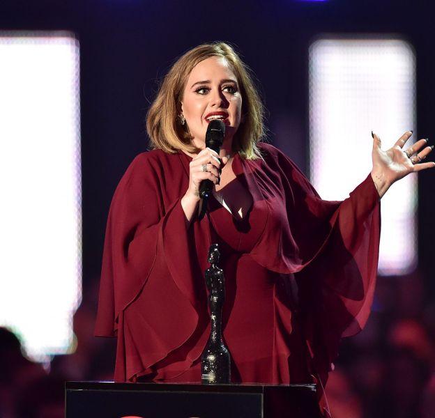 Adele s'est déclarée contre la pression à allaiter.