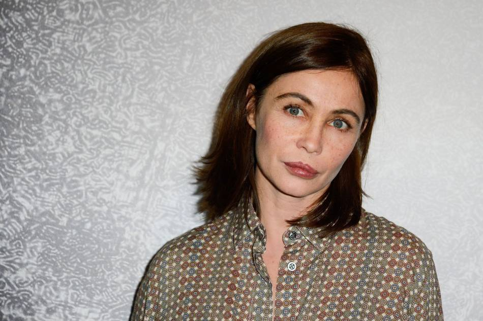 Emmanuelle Béart travaillemême en vacances.