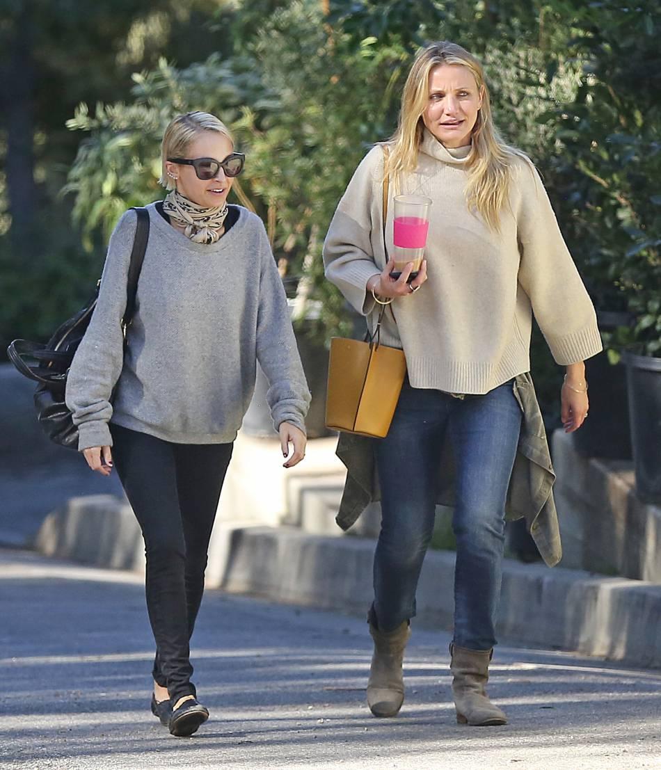 Cameron Diaz et sa belle-soeur Nicole Richie. Au quotidien, la belle ne fait pas de chichis !