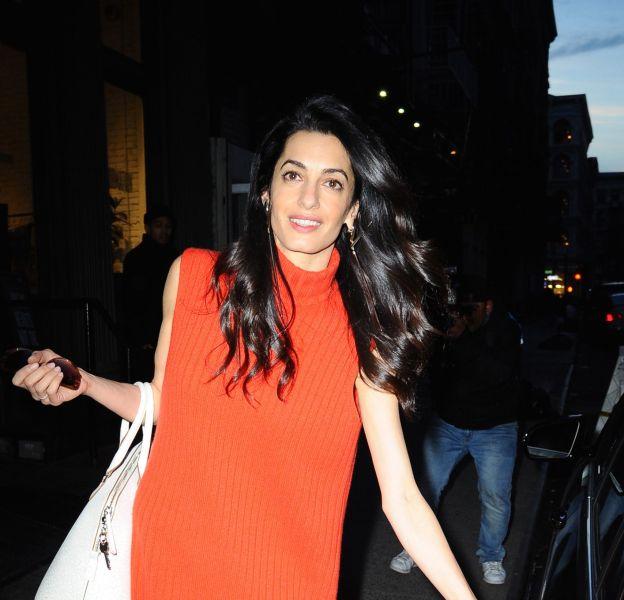 Amal Clooney ose être plus originale lors de ses virées shopping, loin du cabinet.