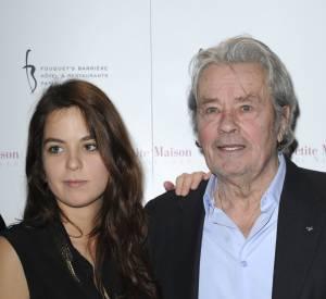 Anouchka Delon et son père, Alain Delon, en janvier 2013. Elle est très fière de son illustre papa.