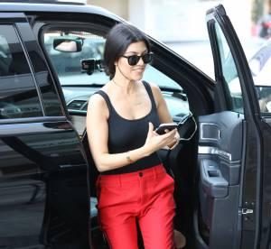 Kourtney Kardashian : bikini string léopard et cambrure, la bimbo est bouillante