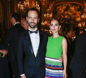 Natalie Portman a vécu deux ans à Paris avec son compagnon Benjamin Millepied et son fils Aleph âgé de 5 ans.