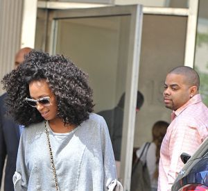 Solange Knowles en pleine séance shopping dans les rues de New York.