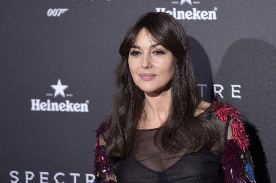 Monica Bellucci s'affiche plus sexy que jamais dans les pages du prochain numéro de  Paris Match .