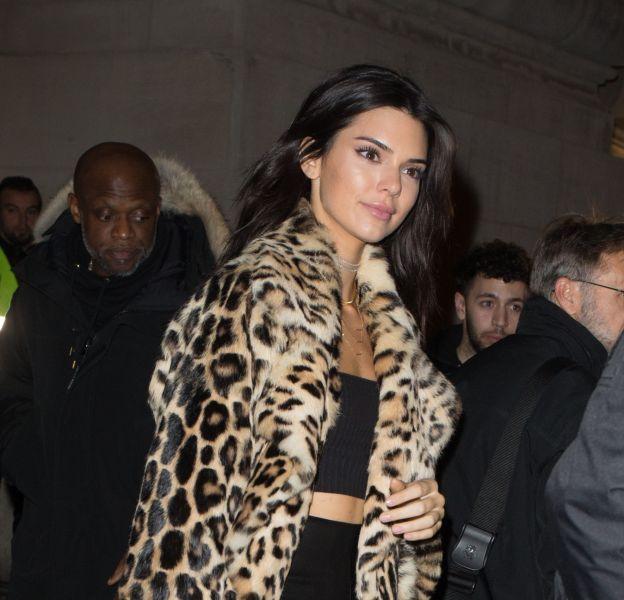 Kendall Jenner prend la pose pour le calendrier de l'avent de Love Magazine.