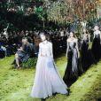 Le set installé au Musée Rodin à Paris pour le show Dior est complètement hallucinant.