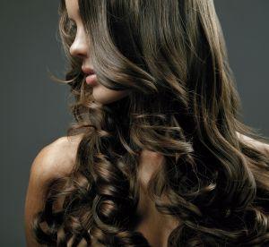 Cheveux ternes : 5 astuces pour qu'ils retrouvent leur brillance