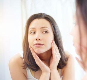 Maquillage : 3 astuces pour ne plus avoir recours au fond de teint