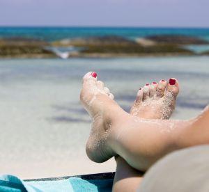6 inspirations pédicure pour des pieds au top à la plage !