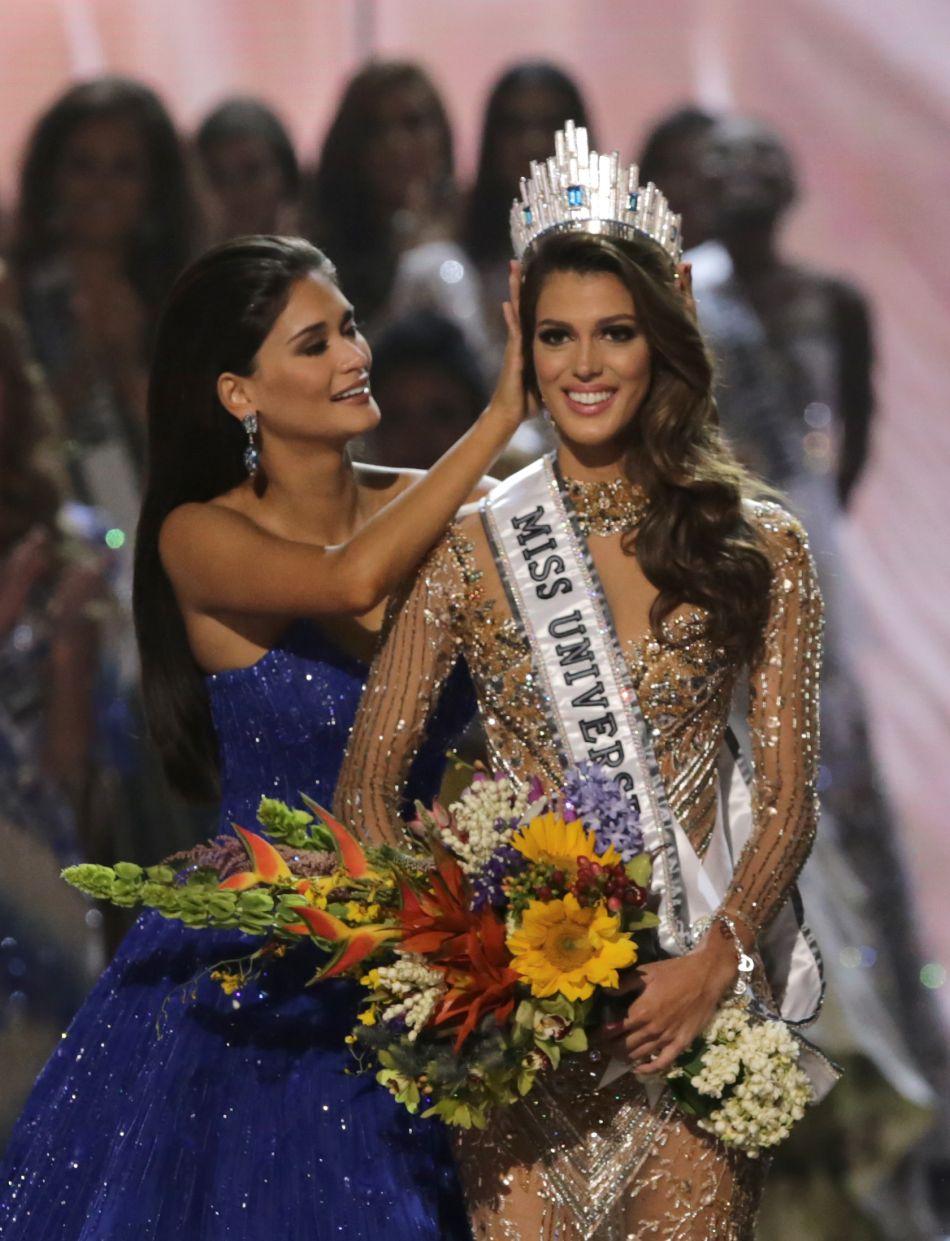 Iris Mittenaere a été sacrée Miss Univers 2017.