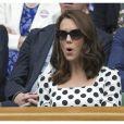 Même Kate a l'air surprise de l'engouement provoqué par sa nouvelle coiffure.