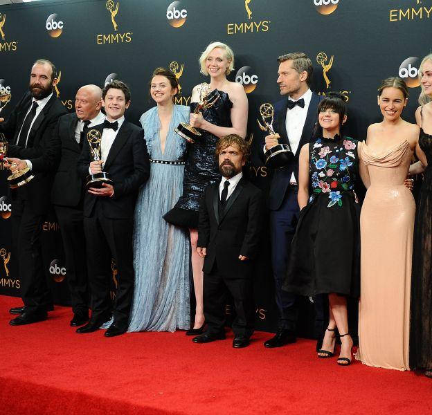 """Le casting de """"Game of Thrones"""" sur tapis rouge."""