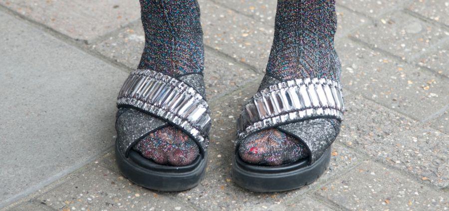 6 interprétations de la claquettes-chaussettes qui feraient presque envie