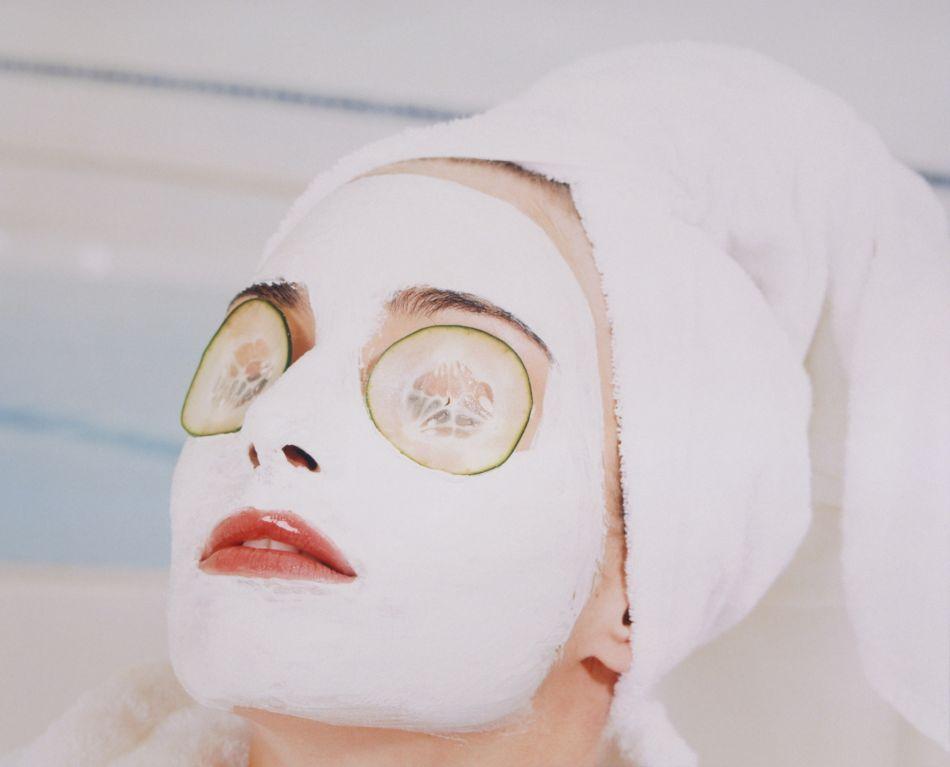 les masques et patchs pour les yeux les plus efficaces contre les cernes. Black Bedroom Furniture Sets. Home Design Ideas