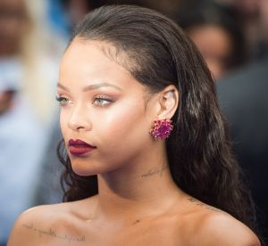 Rihanna : elle adopte une étonnante couleur de cheveux