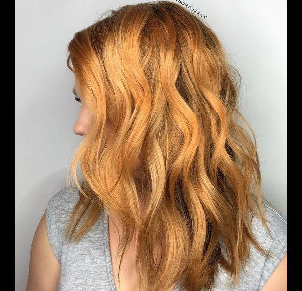 """Le """"brassy blonde"""" ou blond cuivré est la coloration de la rentrée 2017."""