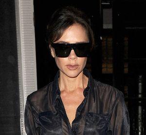 Victoria Beckham ose la chemise transparente à Londres sans faire de flop