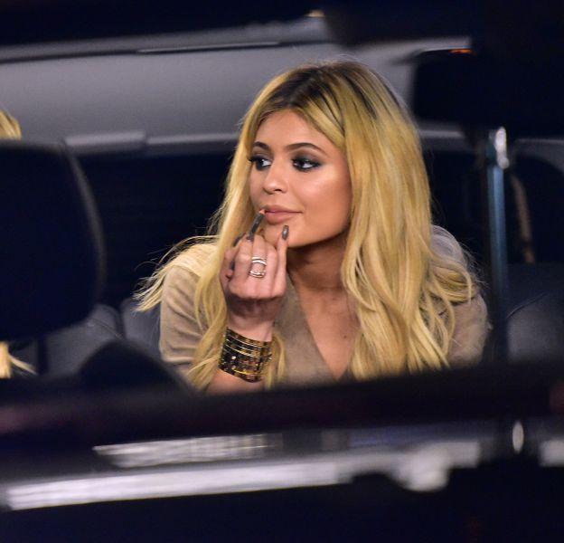 Kylie Jenner enceinte, que va-t-il arriver à ses lèvres ?