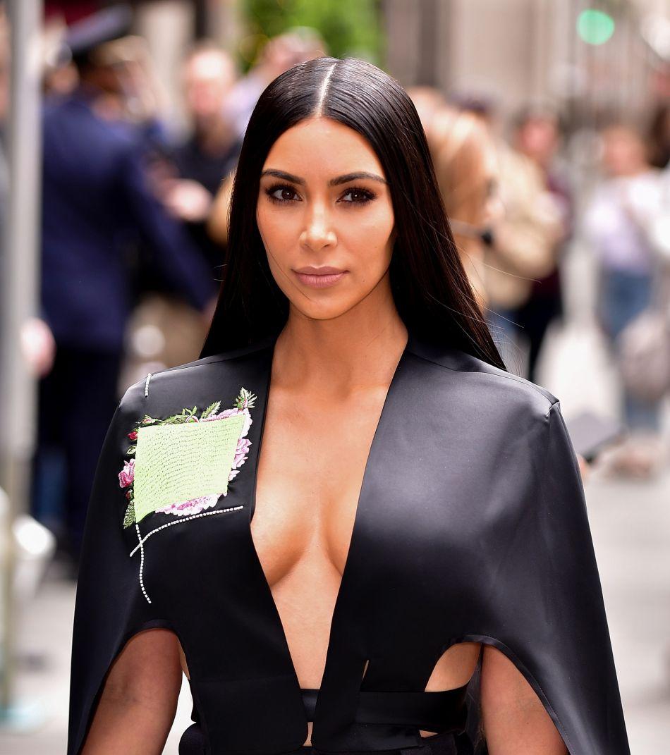Kim Kardashian Topless En Couverture De Vogue Mexique Puretrend