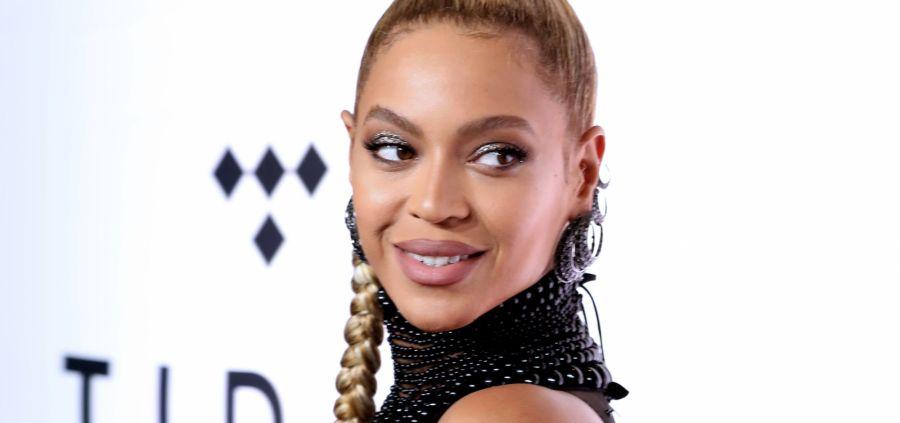 Beyoncé affiche sa silhouette de rêve quatre mois après son accouchement