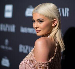 """Kylie Jenner fait une coupe de cheveux maison : c'est un """"massacre"""" !"""