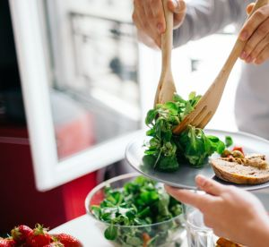 Que manger après les repas de fêtes pour se sentir mieux ?
