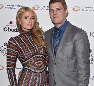 Paris Hilton se fiance et sa bague est juste gigantesque !