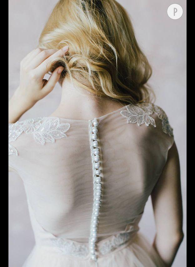 9f1379efe8d Vous rêvez de tulle pour une robe de princesse (pas gnangnan)   Ce modèle  devrait vous plaire. On aime les détails délicats et les perles en guise de  ...