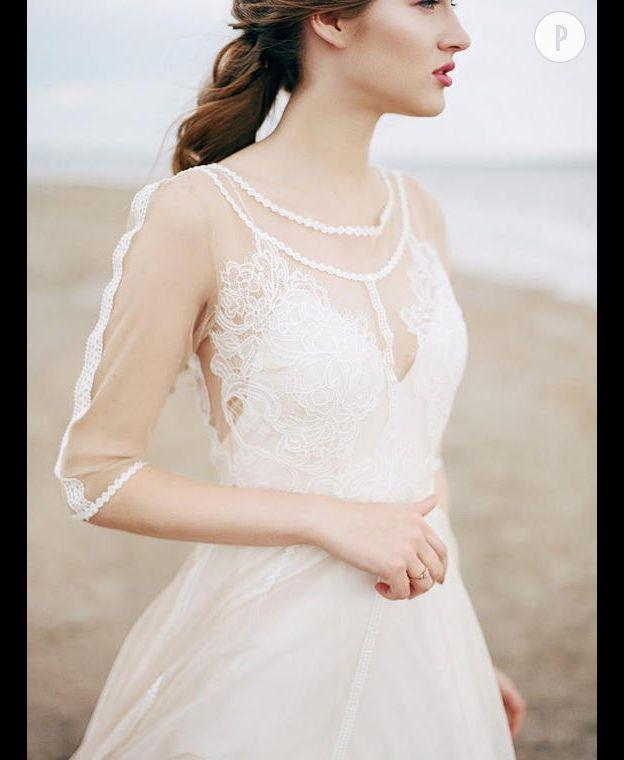 337f0680f28 Vous ne jurez que par le style bohème et voulez vous transformer en reine  des champs le jour J. Voilà une robe à la hauteur de vos espérances.