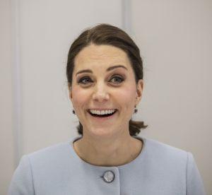 Kate Middleton, son baby-bump grossit à vue d'oeil !