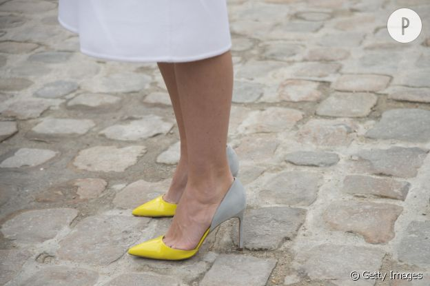 Escarpin jaune : on teste le bicolore.