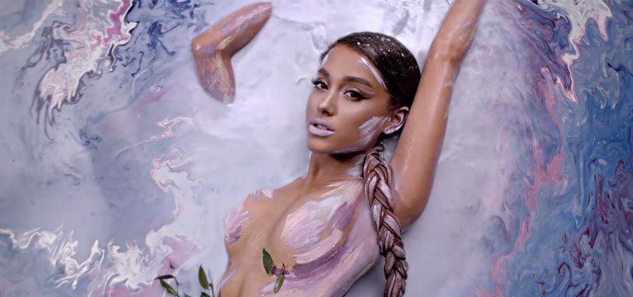 Ariana Grande a t-elle imaginé la première bombe de bain sur mesure de Lush ?