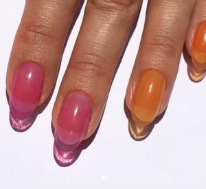 Jelly nails : enfin une tendance WTF qu'on a envie d'adopter (et c'est facile)