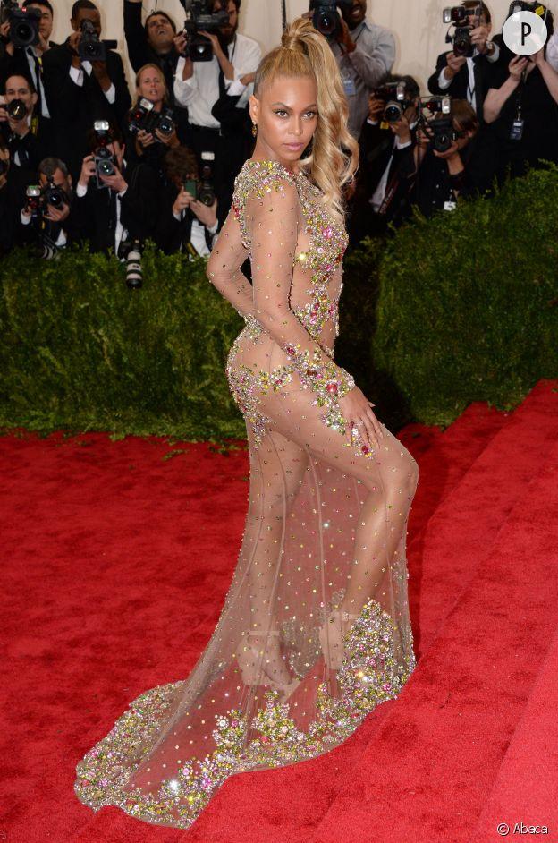 Beyoncé, époustouflante en Givenchy.