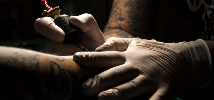 Safe Tattoo Artist, le compte Insta qui conseille des tatoueurs respectueux